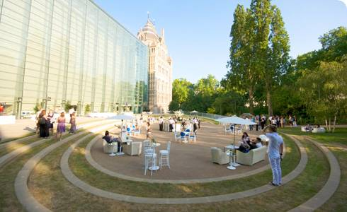 Darwin centre courtyard, summer party spaces, summer party venue, outdoor event space, summer drinks reception, The Natural History Museum courtyard