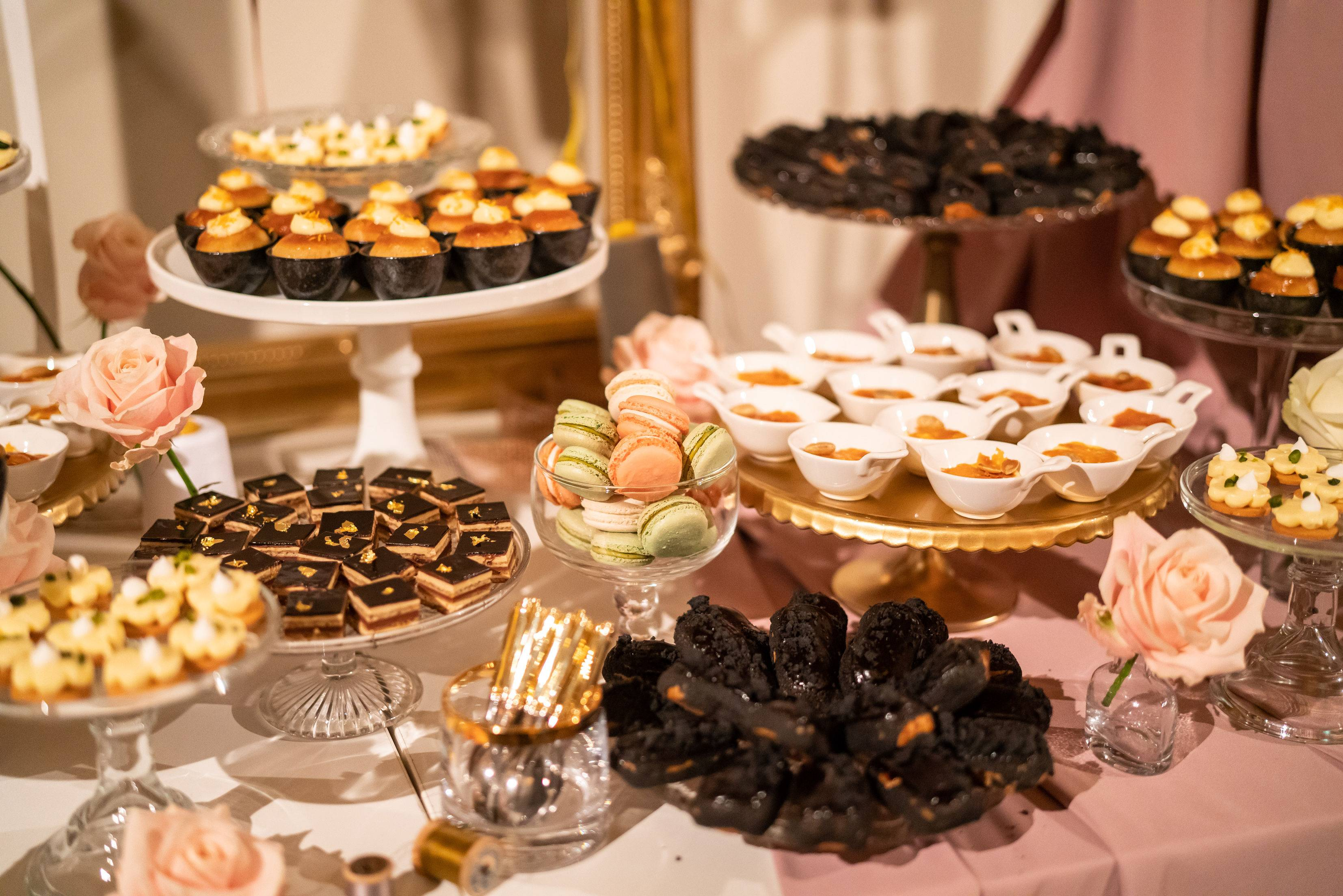Pudding stall, dessert station, luxury event planners, mirrored bar, parisian pudding stall, dessert station at the V&A London